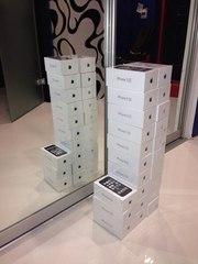 Новый. Оригинальный iPhone 5s 16GB - Space Gray
