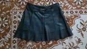 Продам черную кожаную  юбку