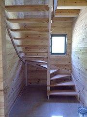 Лестница из массива дерева от 1540 руб в дом (на дачу).Своё производство.Звоните