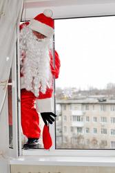 Новинка 2019 – Дед Мороз через Ваше окно