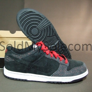 продаются кроссовки Nike Dunk Low.в очень хорошем состоянии!