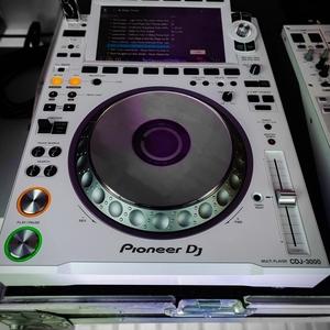Pioneer DDJ-1000 Controller  ,   Pioneer CDJ-3000 DJ Multi Player