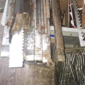 Куплю буровые коронки,  шарошки,  оборудования,  инструменты и другие мат
