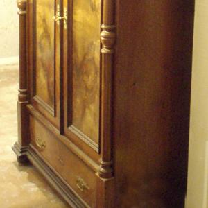 Шкаф двустворчатый,  конец XIX века - 1700$