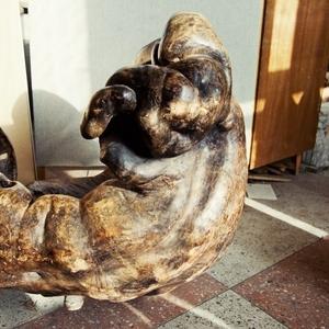 Антикварное кресло из натурального капа (нароста).