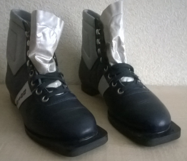 Ботинки лыжные Botas (б/у,  размер 27, 5)