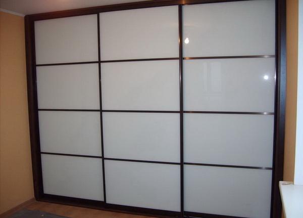 Шкаф-купе изготовим с комбинированными дверями под заказ 2