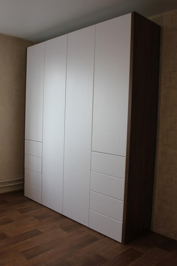 Мебель под заказ: распашные шкафы и шкафы-купе 3