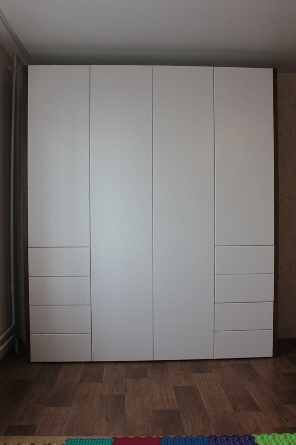 Мебель под заказ: распашные шкафы и шкафы-купе 6