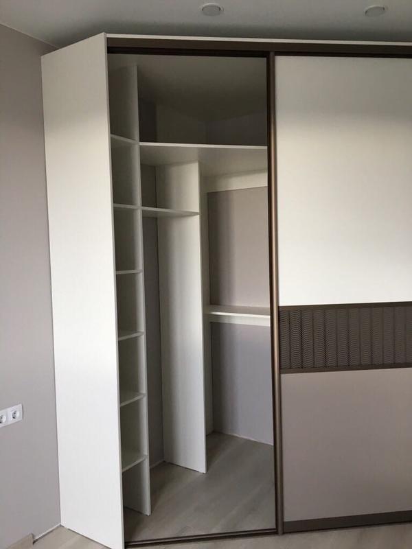 Мебель под заказ: распашные шкафы и шкафы-купе 11