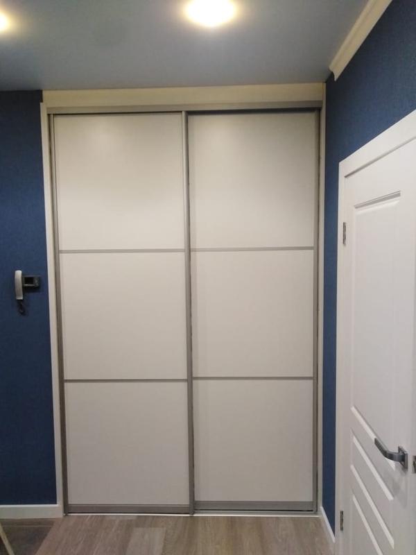 Мебель под заказ: распашные шкафы и шкафы-купе 16