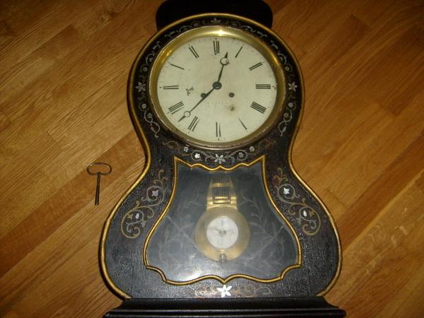 Старинные настенные часы 4