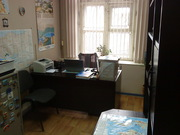 продам мебель б/у, 2 стола, шкаф, стелаж