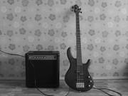 Бас-гитара Cort Action и басовый комбик Mega Amp ML-30B