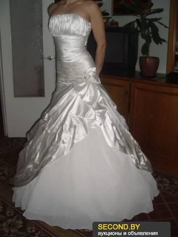 платье из шифона з цветным принтом