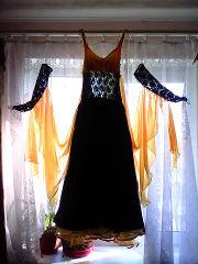 продам 2 платья для бальных танцев