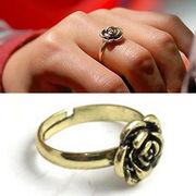 Кольцо-цветок регулируемое для женщин